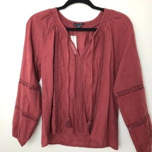 NWT AEO Embroidered Peasant Top